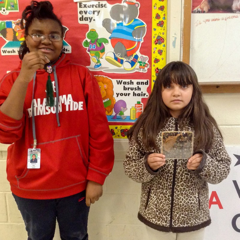Students demonstrate traditional Chinese rewards.
